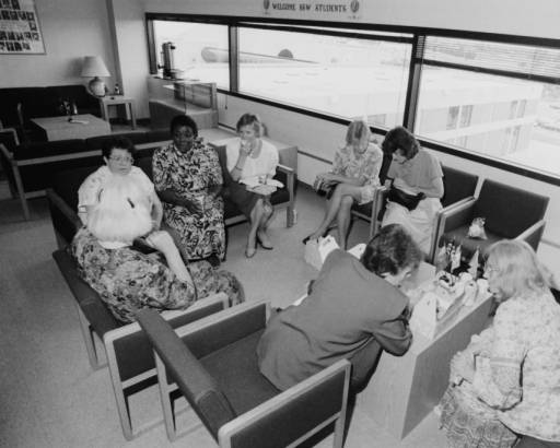 Discussion session at Breakthrough forum, 1990 790-4035-024